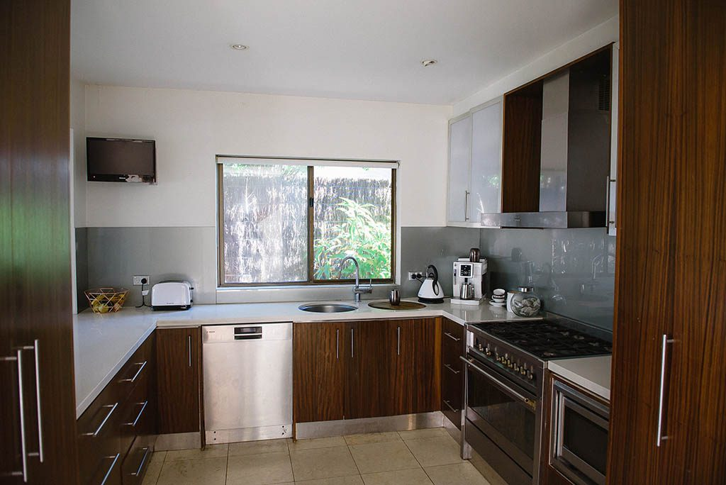 before photos exclusive kitchen renovations Brisbane Northside and Sunshine Coast